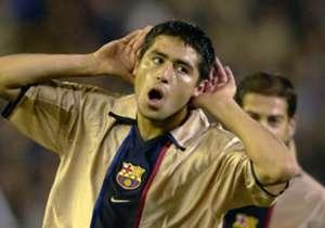 RIQUELME | La gran estrella argentina terminó pronto con la paciencia del Camp Nou, que nunca entendió su forma de jugar. Ralentizaba el juego demasiado