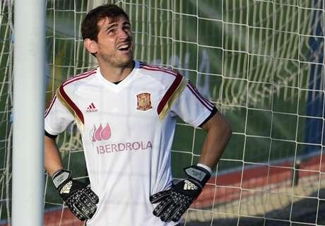 Casillas springt in de bres voor Piqué