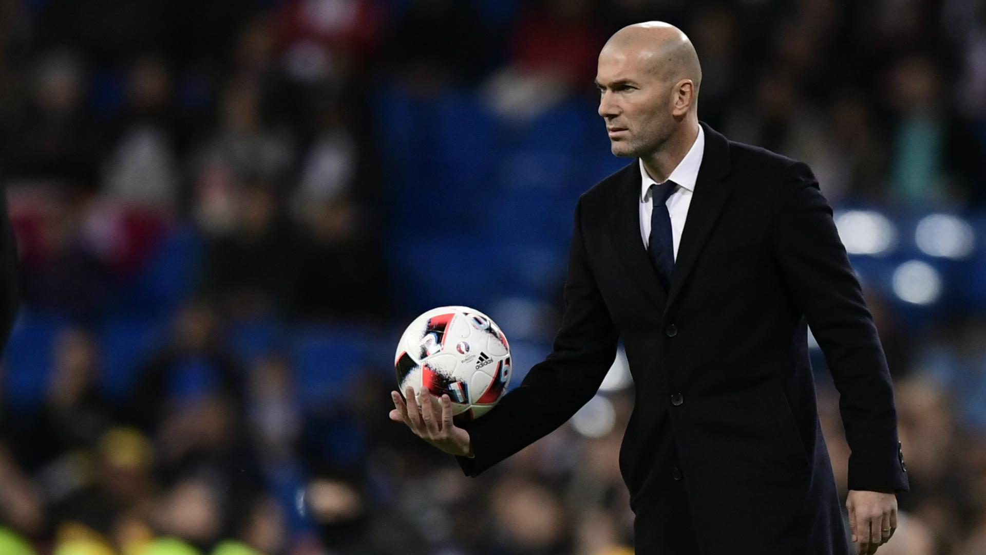 zinedine-zidane-real-madrid-cultural-copa-del-rey_1l7400og6vydg1hfo5mc4yhk91 Real Madrid ta kara wa Zidane kwantaragin shekara uku