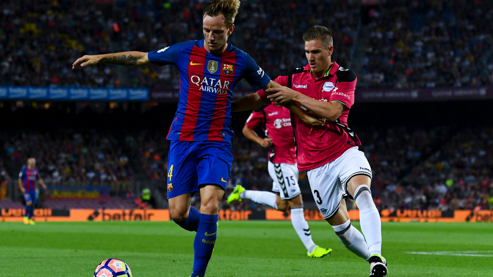 Ivan Rakitic Raul Garcia Barcelona Alaves 10092016