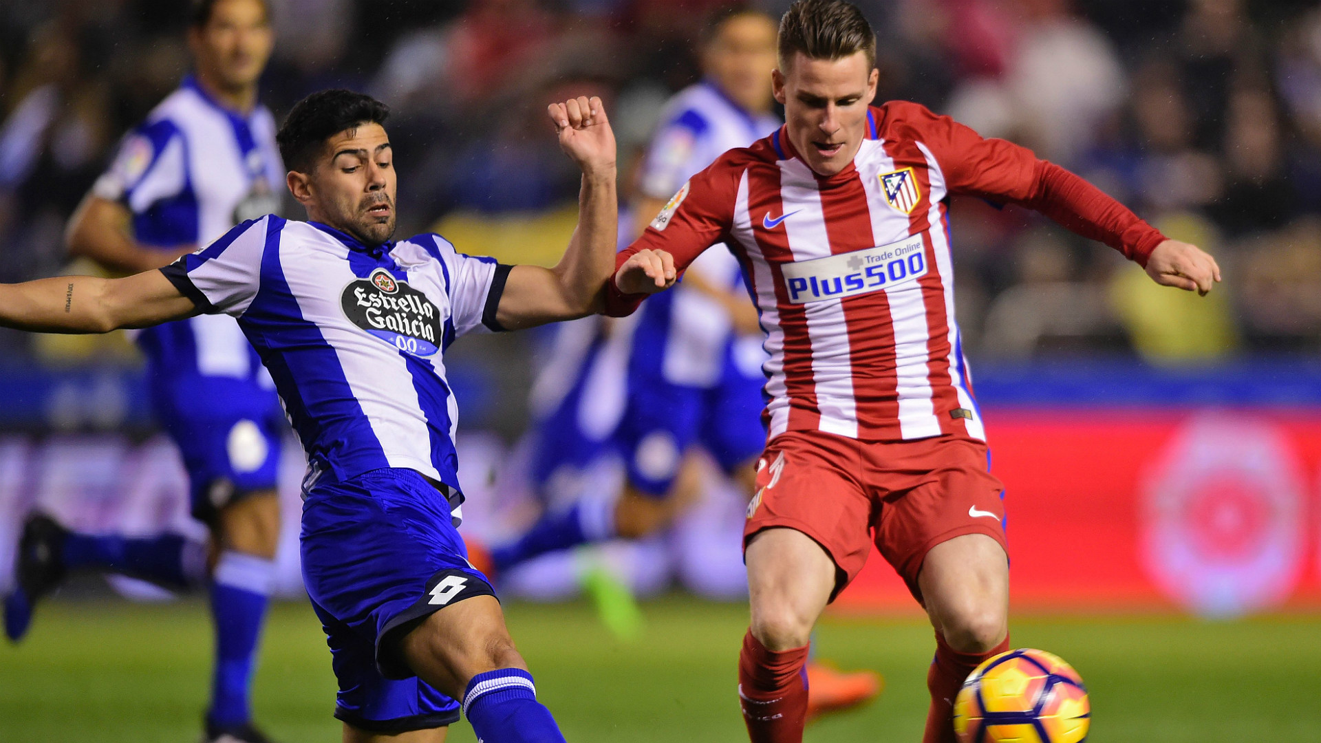 Fernando Torres suffers head injury during Atlético Madrid league match