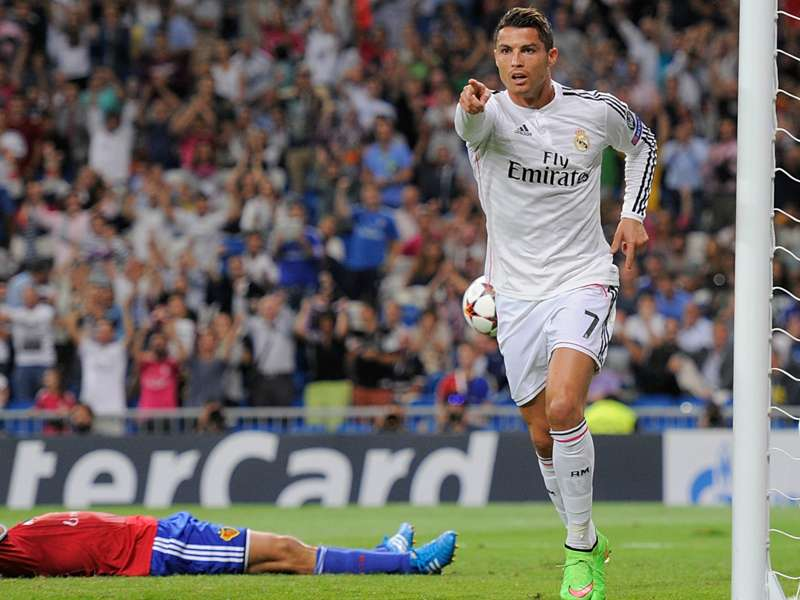 Ronaldo wants Manchester United return — but only after becoming Real Madrid's record scorer