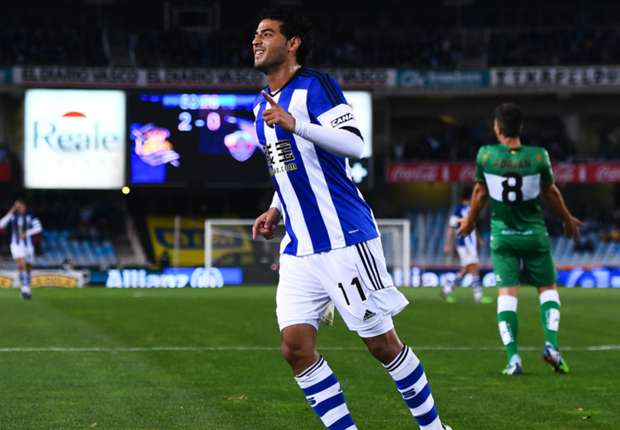 Real Sociedad 3-0 Elche: Vela hat-trick gives Moyes first win