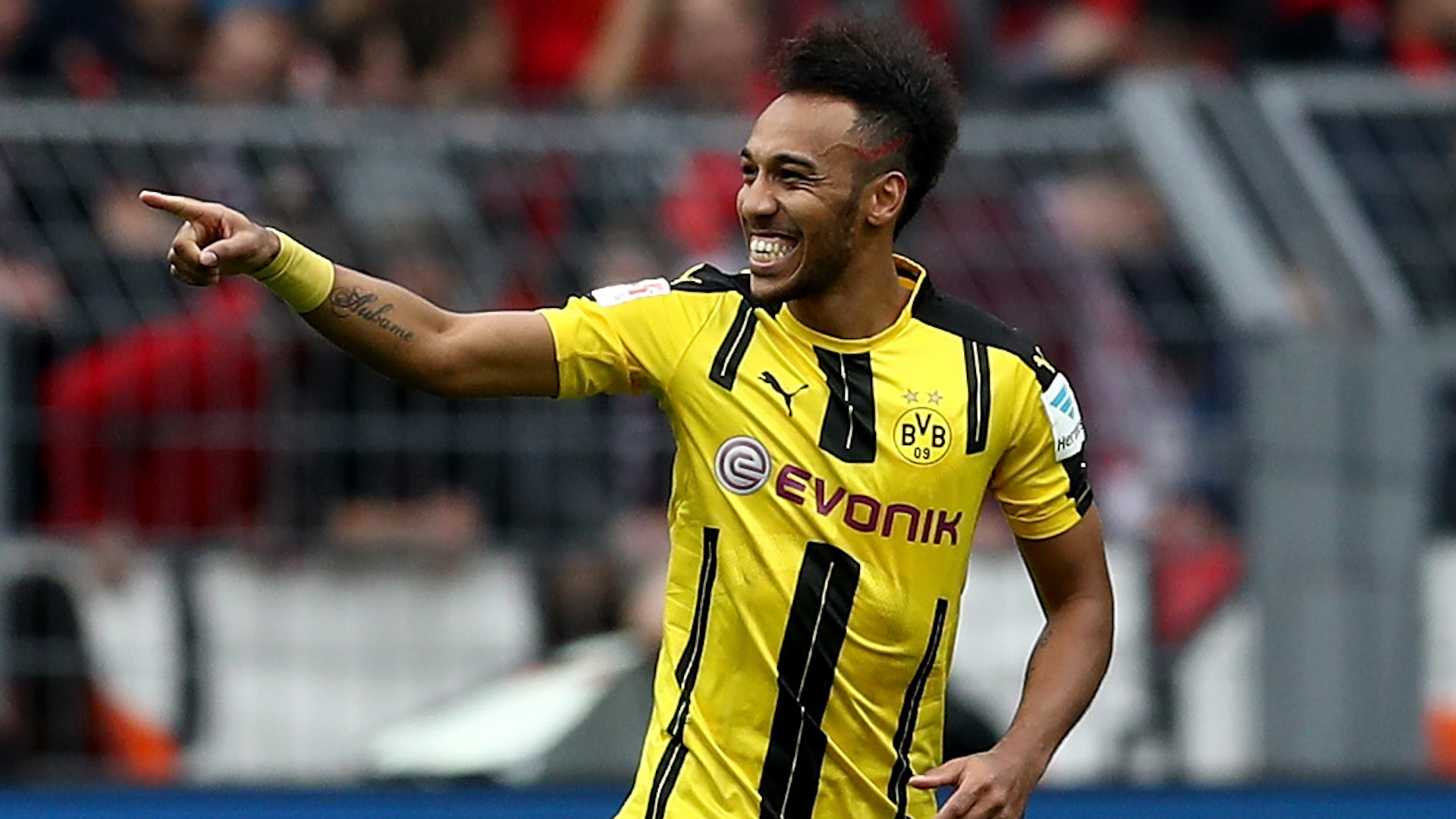 Dortmund avanza a cuartos con goleada al Benfica