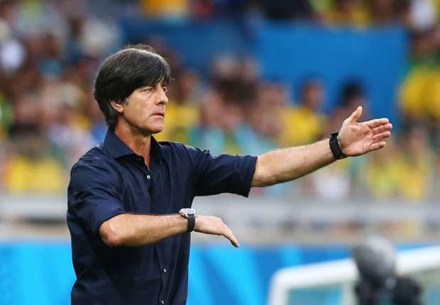 Löw da instrucciones en el histórico 1-7 a Brasil