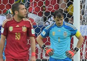 Julen Lopetegui baru saja mengumumkan skuat perdananya sebagai pelatih Spanyol untuk menghadapi Belgia dan Liechtenstein. Dua nama besar yang tidak dipanggil ialah Iker Casillas dan Cesc Fabregas. Siapa saja yang terdaftar?