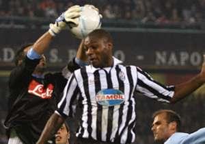 Sembra passato un secolo, invece sono solo 10 anni. Il 6 novembre 2006 Napoli e Juventus si affrontavano per il big match della 10^ giornata di Serie B: finì 1-1, con goal di Del Piero e Bogliacino. Dieci anni dopo, che fine hanno fatto i protagonisti ...