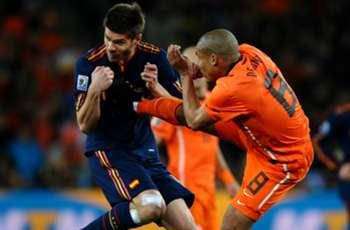 Webb: De-Jong-Foul gegen Xabi Alonso war rotwürdig