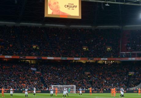GALERÍA: El homenaje a Cruyff