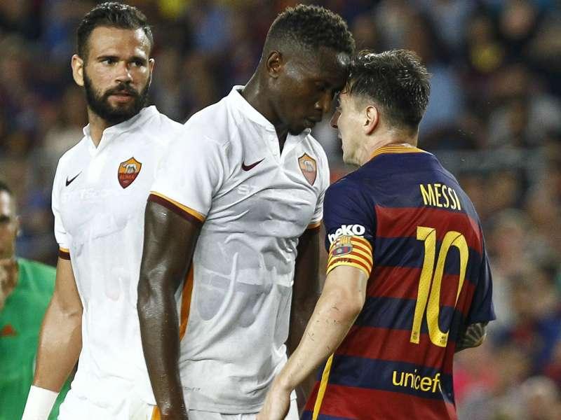 Furious Messi headbutts Yanga-Mbiwa in Roma friendly