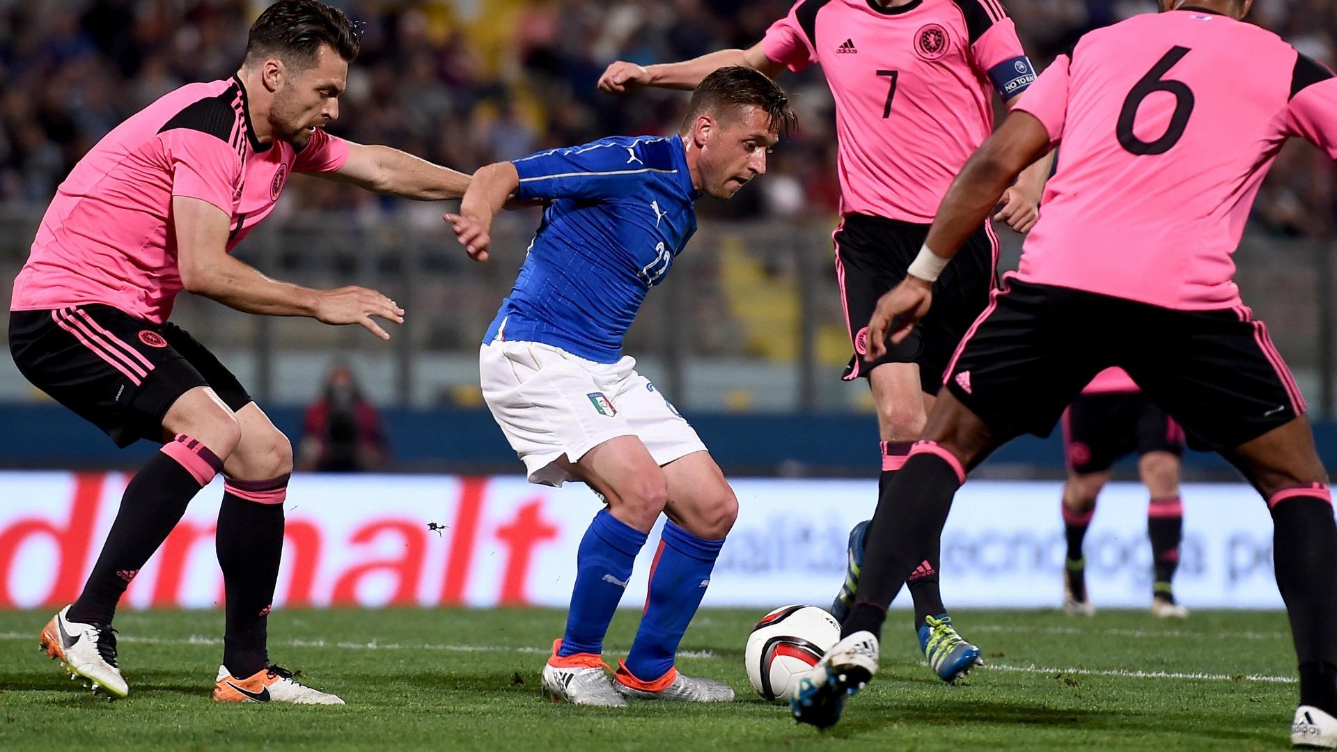 Emanuele Giaccherini Italy Scotland 29052016