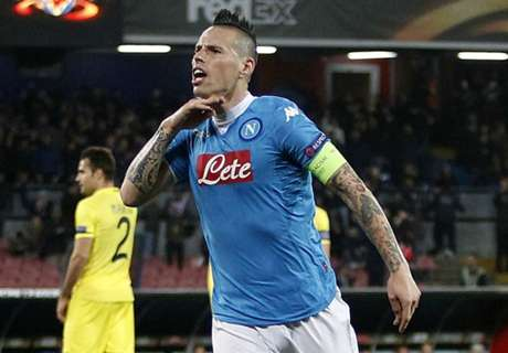 Is Hamsik wrong to stay at Napoli?