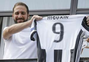 "Napoli president Aurelio De Laurentiis said Gonzalo Higuain's move to Juventus was a ""betrayal"" of the club's fans. Here, Goal looks at the previous contentious moves in football."