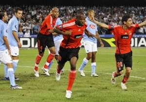 <b>di Alessandro Basile</b> <p> Napoli e Benfica tornano a sfidarsi in Europa dopo il precedente della Coppa UEFA 2008-09: 3-2 azzurro al San Paolo e 2-0 lusitano a Lisbona, con le Aquile qualificate alla fase a gruppi. Dove sono finiti gli azzurri di ...