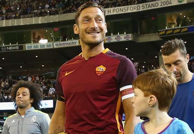 Francesco Totti renovaría con la Roma hasta 2017 - Goal.com