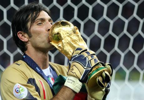 Los 20 años de Gianluigi Buffon en cifras