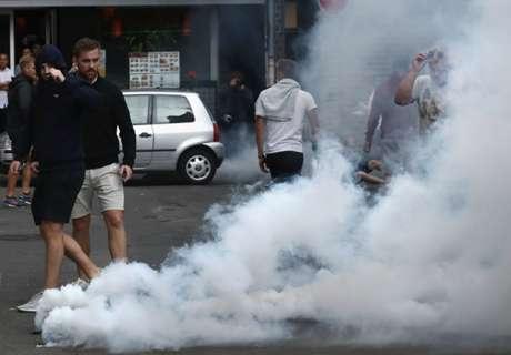 Varsavia, teppisti attaccano tifosi Ajax