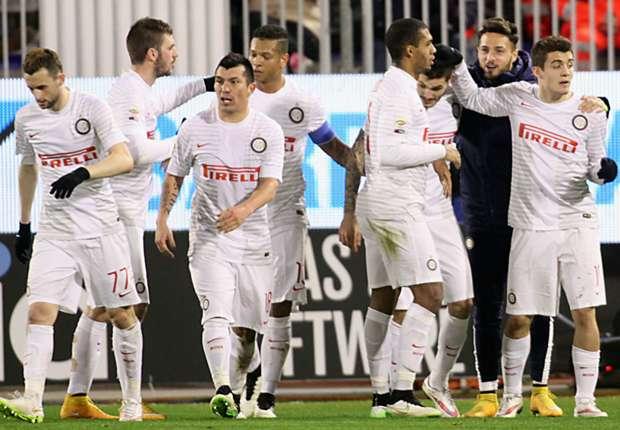 Inters Spieler bejubeln Icardis Treffer in Cagliari