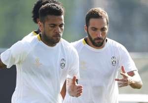 Gli occhi d'Italia su Torino, su Juventus-Torino. Higuain affronta per la prima volta il suo passato. Come si è comportato l'argentino e il resto dei nuovi acquisti delle due squadre?