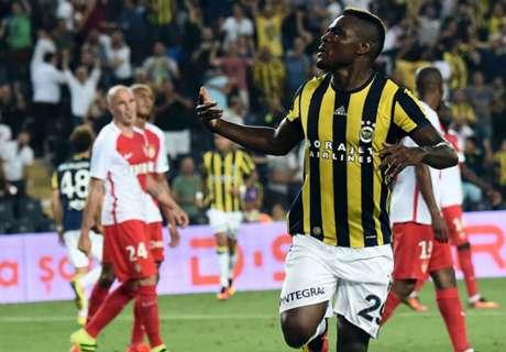 Emenike voit double et offre la première manche à Fenerbahçe