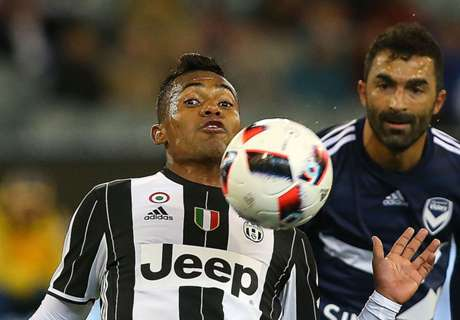 WATCH: Alex Sandro's slick nutmeg