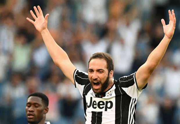 Higuain worth more than Pogba, insists Crespo