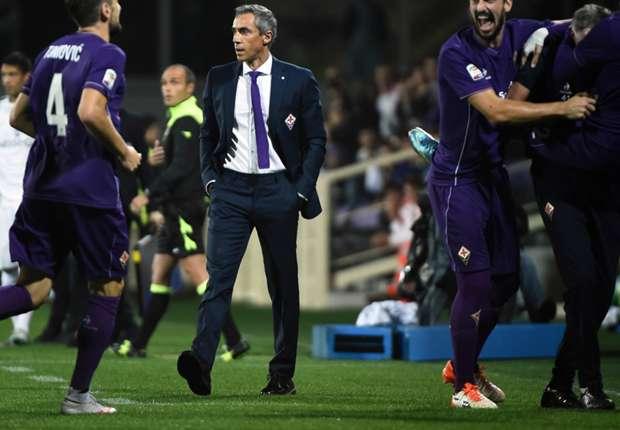 Florenz um Trainer Paulo Sousa (M.) schwimmt momentan auf einer Erfolgswelle