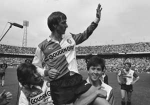 <b> JOHANN CRUIJFF </b> Van Ajax naar Feyenoord (1983)