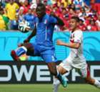 Conte: Balotelli must earn Italy recall