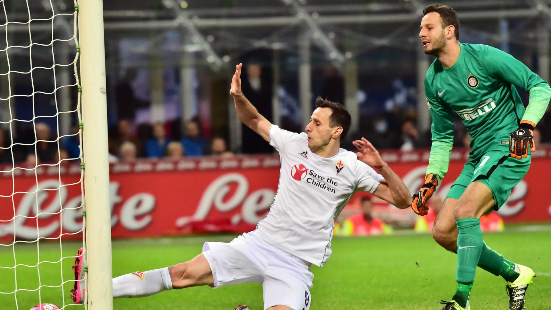 Kalinic Handanovic Inter Fiorentina