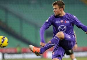 HARIS SEFEROVIC - Arrivato giovanissimo alla Fiorentina dalla Svizzera, ha fatto molta fatica a mostrare il suo talento in Serie A. Per sgrezzarlo i viola decisero di cederlo in prestito al Lecce, ma con i pugliesi collezionò soltanto cinque presenze s...