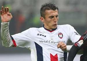 L'attaccante del Crotone Budimir, suo il goal-partita a Bari