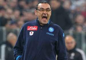 Por el lado de Napoli, Maurizio Sarri mandó a sus jugadores al ataque.