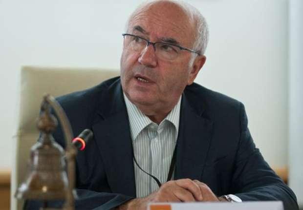 Carlo Tavecchio: Chúng tôi quan ngại về sự tiêu pha của hai CLB thành Milan