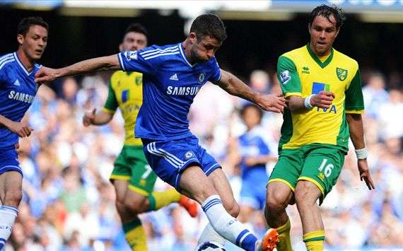 Chelsea quedó a un punto de los líderes.
