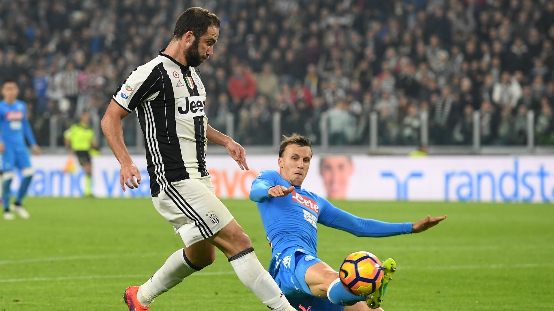 La Juve se impone al Nápoles y refuerza su liderato