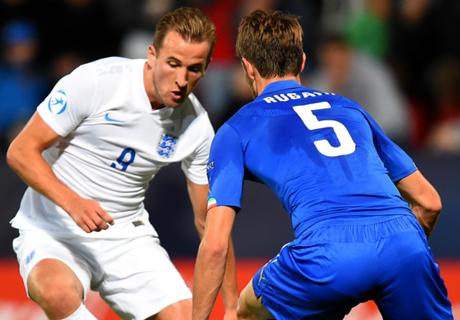 Kane defends England flops