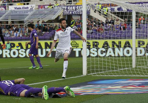 Duje Cop (M.) schoss Cagliari in der Toskana überraschend zum Sieg