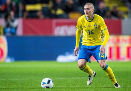 Who is Man Utd target Victor Lindelof?
