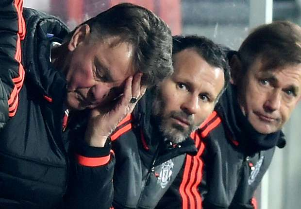 'The best players don't play for Man Utd anymore' - Hargreaves defends Van Gaal after Midtjylland defeat
