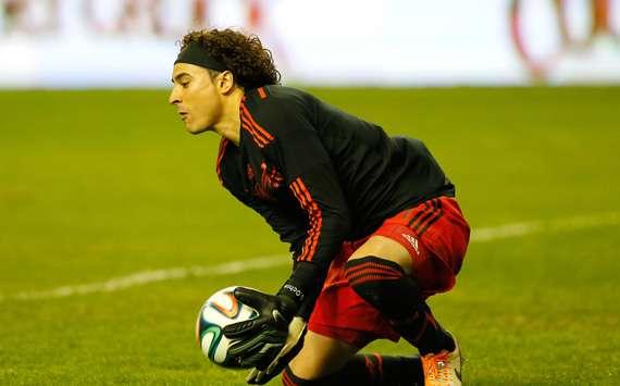 Ochoa tuvo buena actuación ante Ecuador