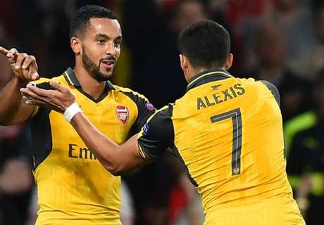 Walcott on fire as Arsenal win again