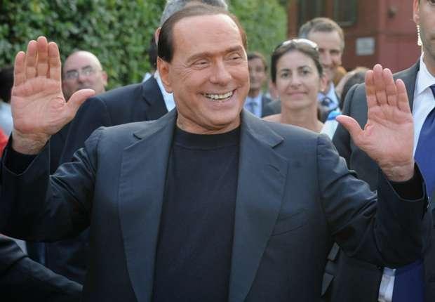 Silvio Berlusconi Sindir Clarence Seedorf