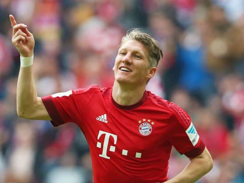 Wenger: Manchester United have signed two top-class players in Schweinsteiger and Schneiderlin