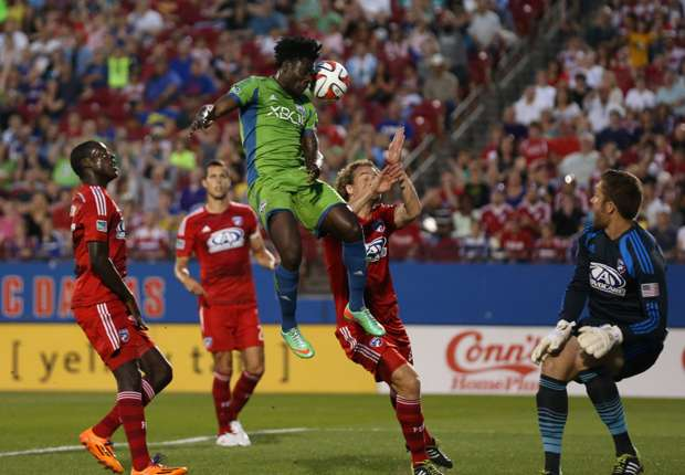 Obafemi Martins Seattle Sounders FC Dallas MLS 04122014