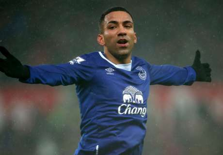 Martinez tips Lennon for England