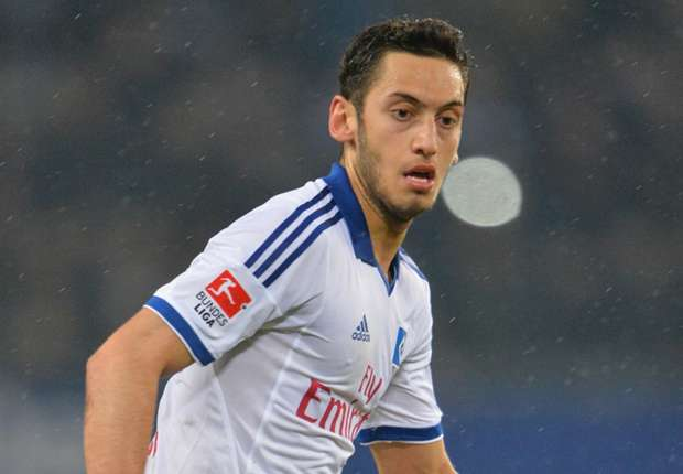 Calhanoglu keen on Leverkusen move