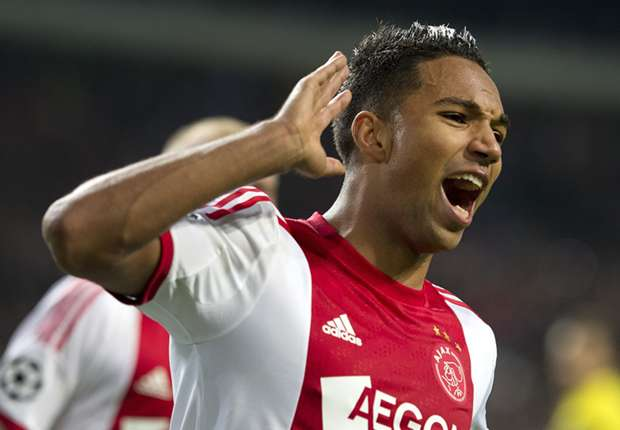 Ajax-huurling Hoesen onzeker over toekomst