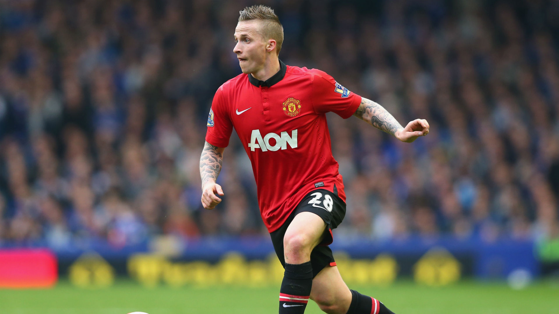 Alexander Buttner points to Steven Gerrard to deny Manchester United failure