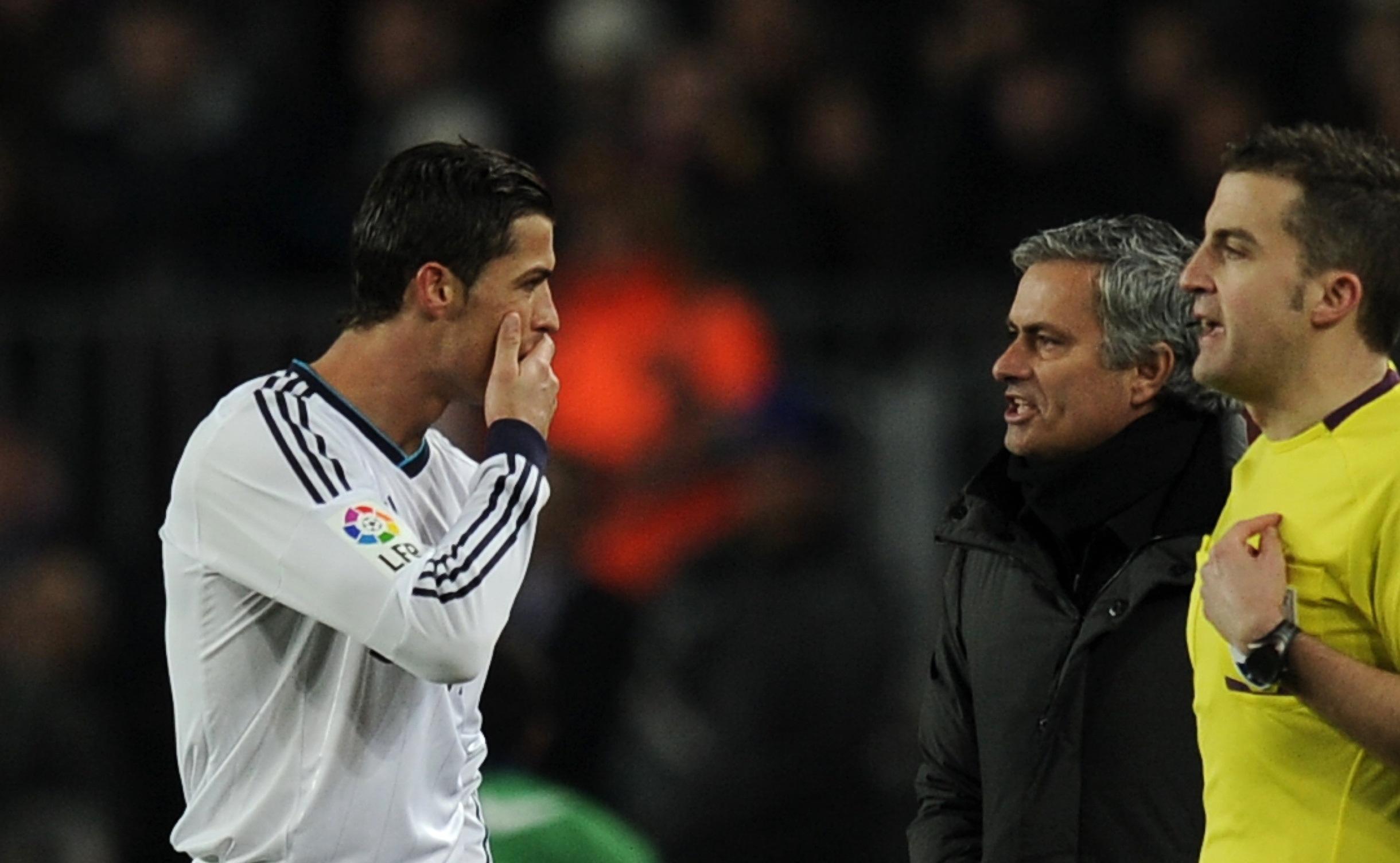 Cristiano Ronaldo, Jose Mourinho - Barcelona v Real Madrid - Clasico